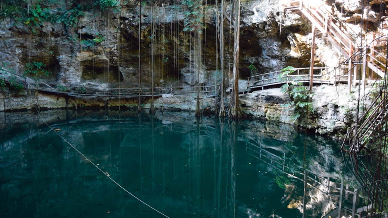 Cenote-X'Canché-Yucatan