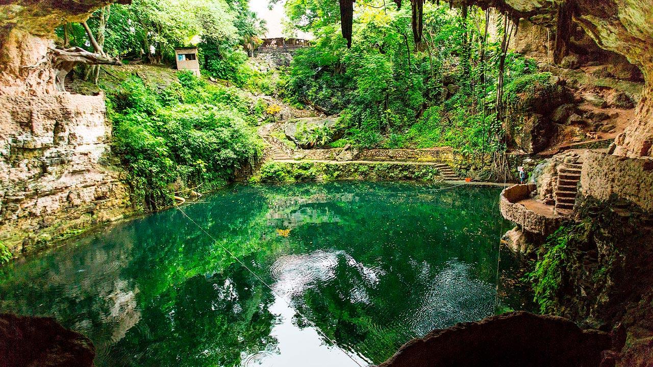 Cenote-ZACI-valladolid-yucatan-2