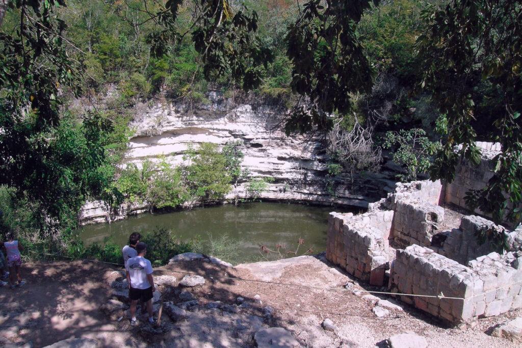 Cenote Sagrado en Chichén Itzá